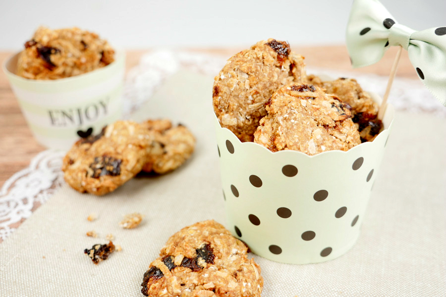 Recipe for healthy oatmeal biscuits with two ingredients