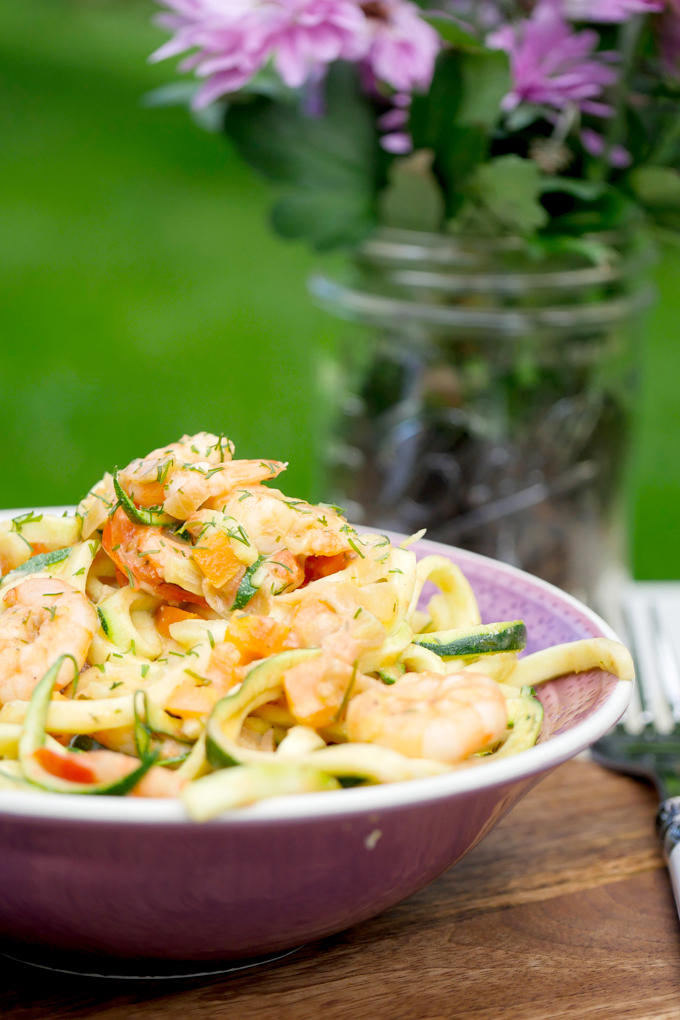 Low Carb Zucchini noodles with prawns