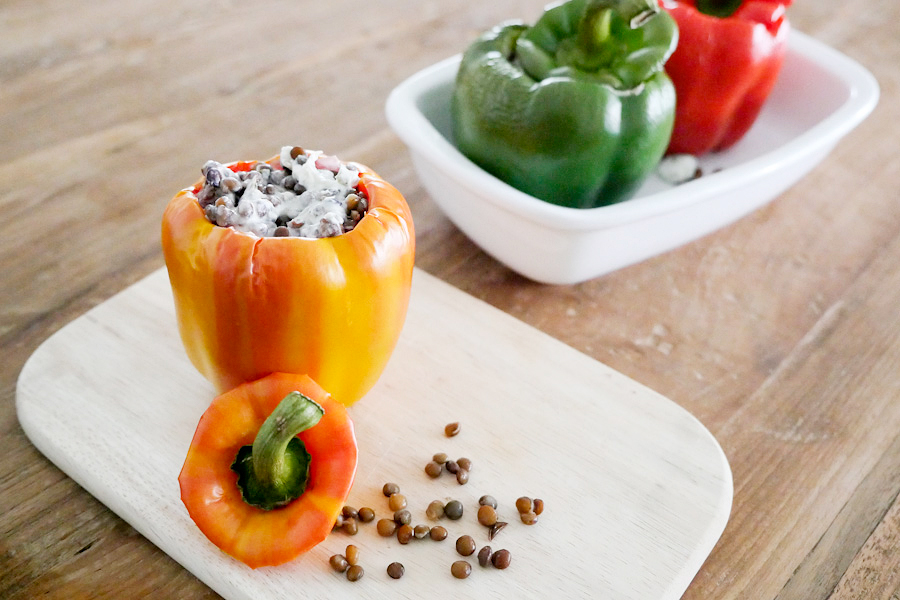 Stuffed peppers with lentils and goat's cheese