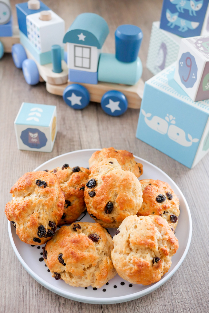 Homemade raisin bread for kids
