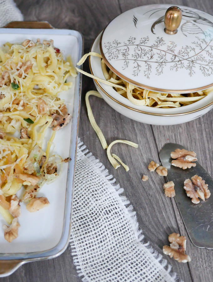 Recipe for cheese spaetzle with Walnuts and a lot of cheese